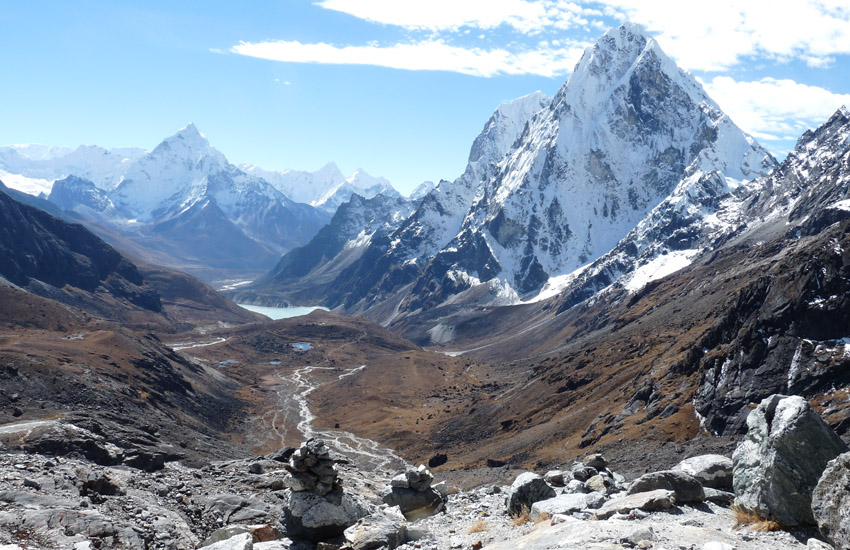 The high passes of the Everest